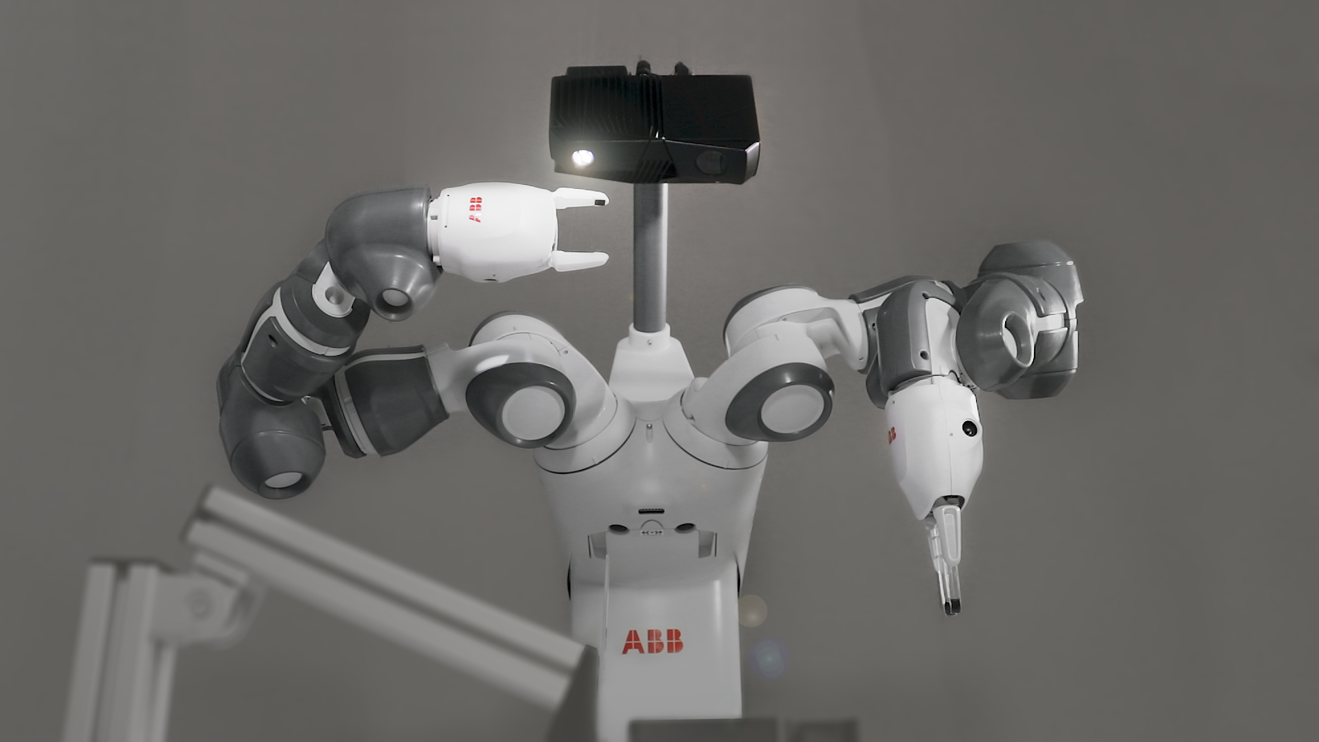 Using ABB YuMi for automated assembly with 3D vision